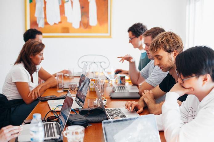 Shareholder Meeting – Register of Attendance
