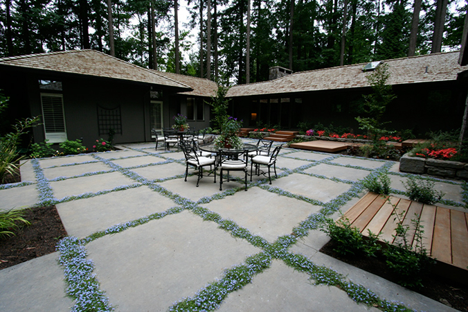 Laycock Gardens LLC
