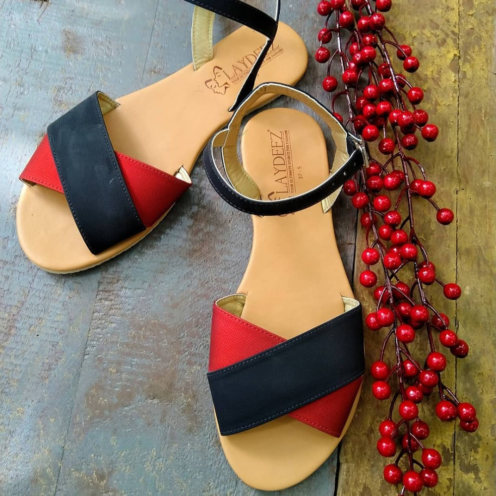 Front Crossovers In Red & Black Sandals