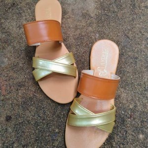Laydeez Eliza Sandals in Tan