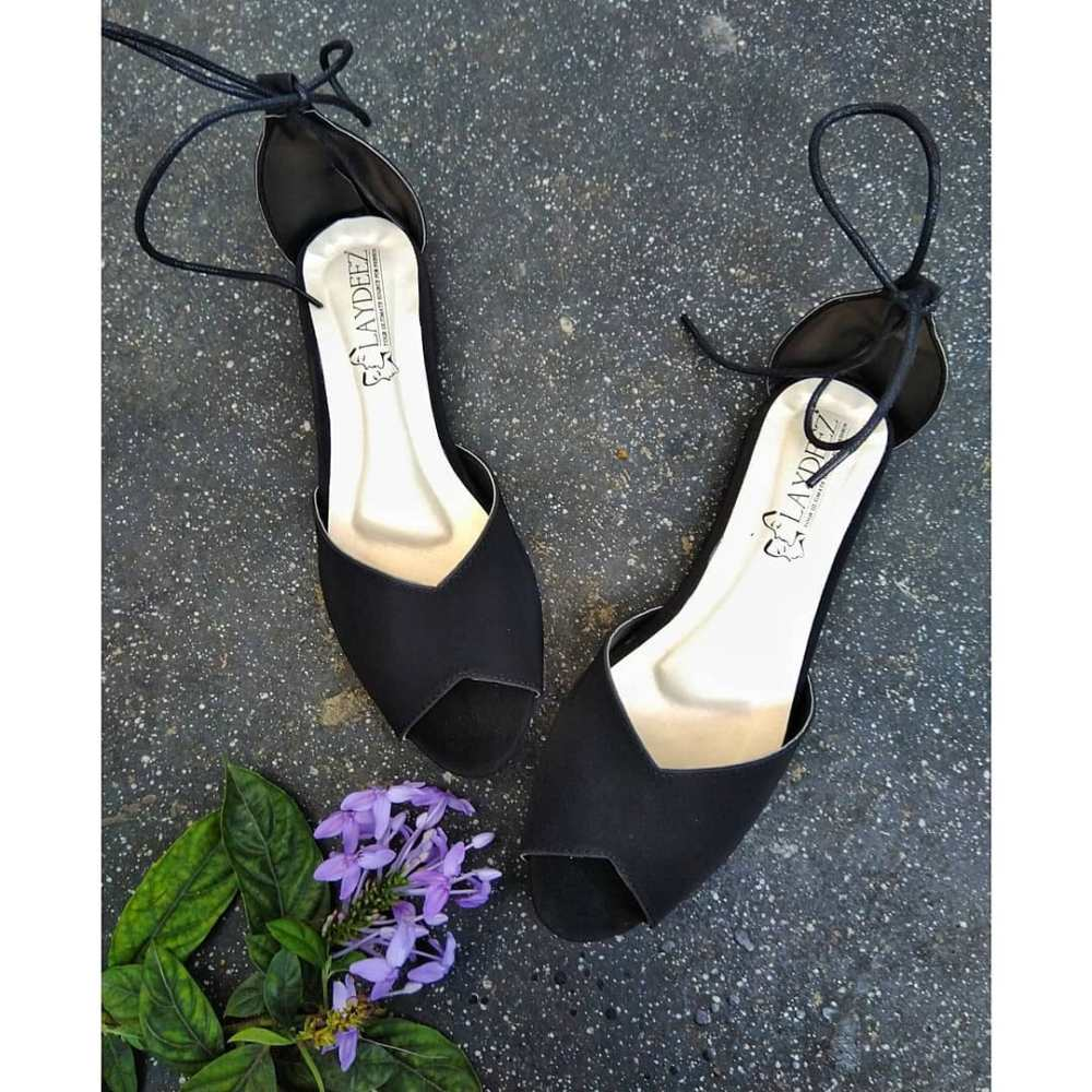 Laydeez Vintage Lace Up shoes