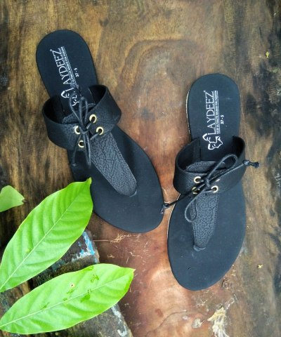 Laydeez Comfy Lace Up Sandals In Black