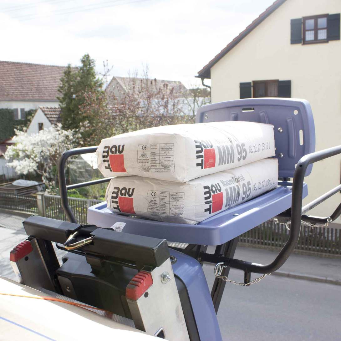 Versatile materials lift