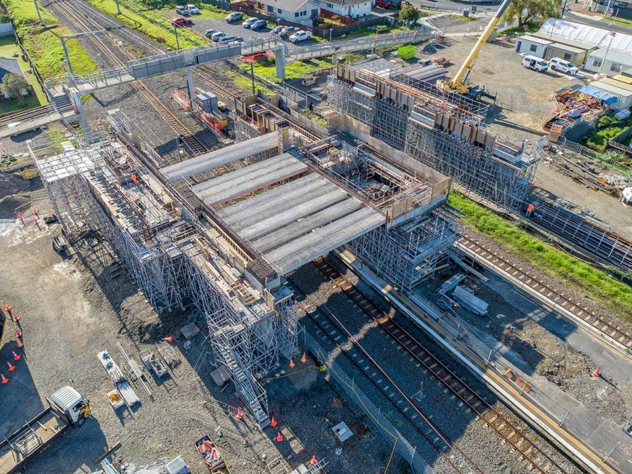 Railway station construction propping using Layher Allround scaffolding