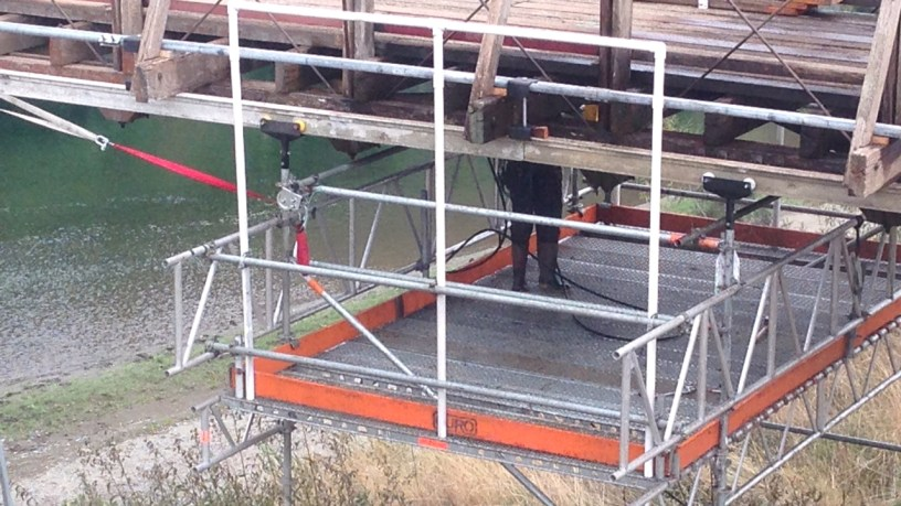 Rolling working platform made of Layher Allround scaffolding and Aluminium Beams