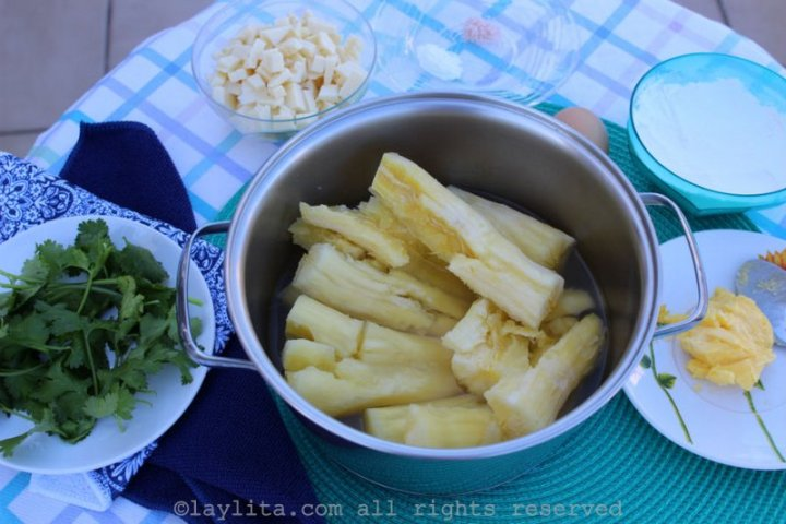 Ingredientes - bolinho de macaxeira recheado com queijo