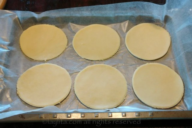 How to make homemade empanada discs