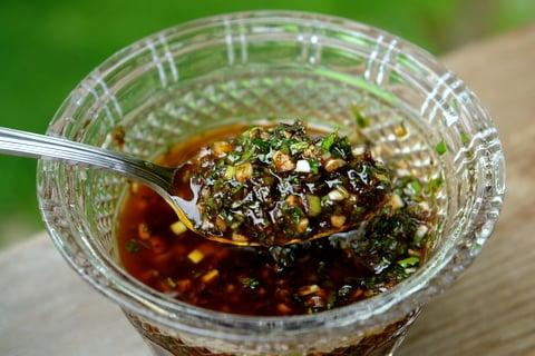 Sauce chimichurri au vinaigre balsamique.