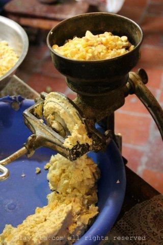 Preparando humitas en Loja