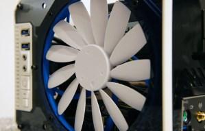 Closeup of Silverstone FW141 slim 140mm system fan inside the LZ7 SFF Case