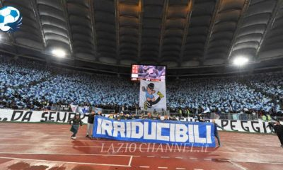 Striscione irriducibili e bandiera Mr Enrich in curva Nord