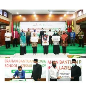 Penyerahan bantuan program Save Our School lazismu