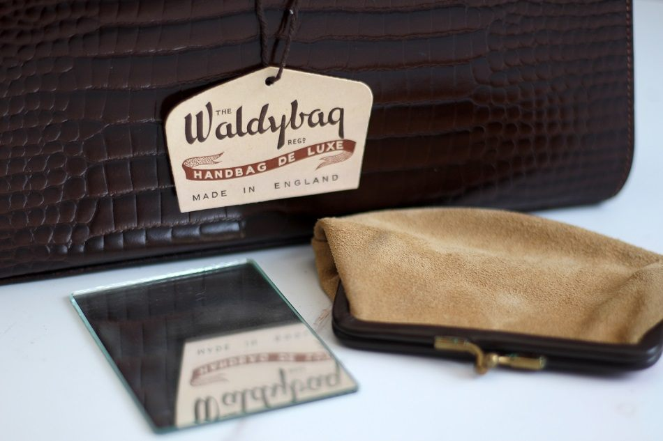 waldybag label, coin purse and vanity mirror