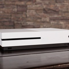 Xbox One beats out PS4 sales for the third month in a row