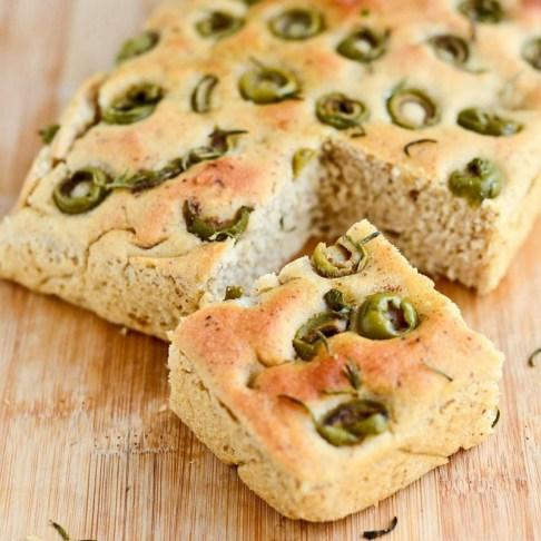 Vegan-Focaccia-Olive-Bread