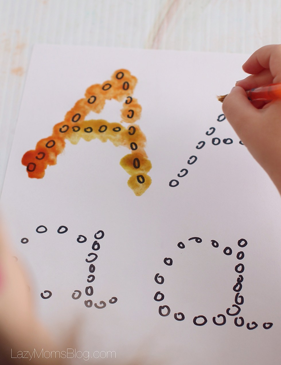 Montessori homeschool : tracing letters