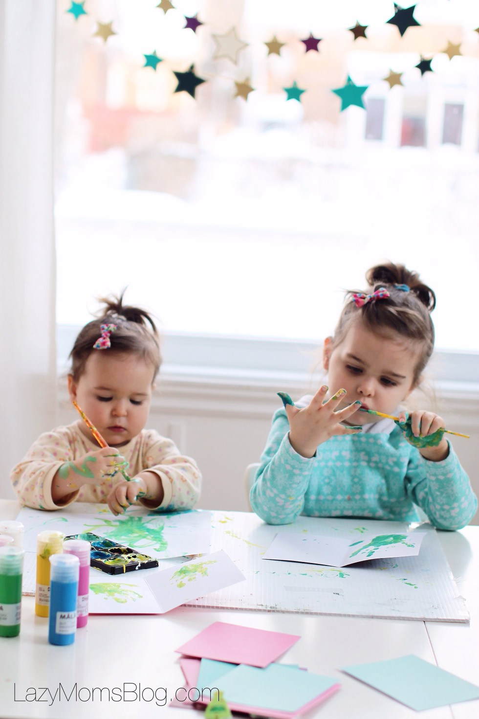 So it may be that without realizing it, we actually raise overstimulated kids . The lack of free, unstructured time can actually cause irritability, and inability to focus, sit still and play for hours with the same toy. Here are some great tips what to do to avoid that!
