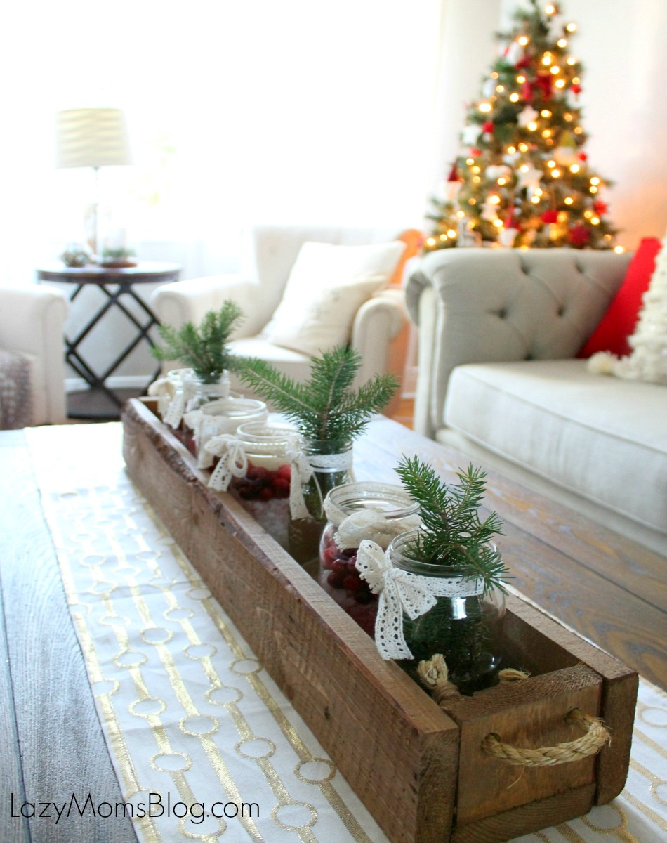 Simple Christmas living room decorating ideas