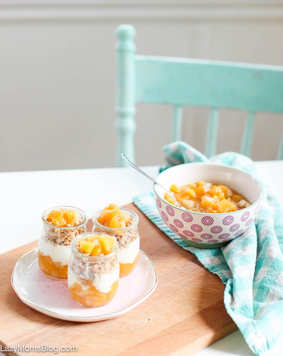 This apple & peach compote is just amazing served as a parfait and soo good on toast too! And it's so easy to make!