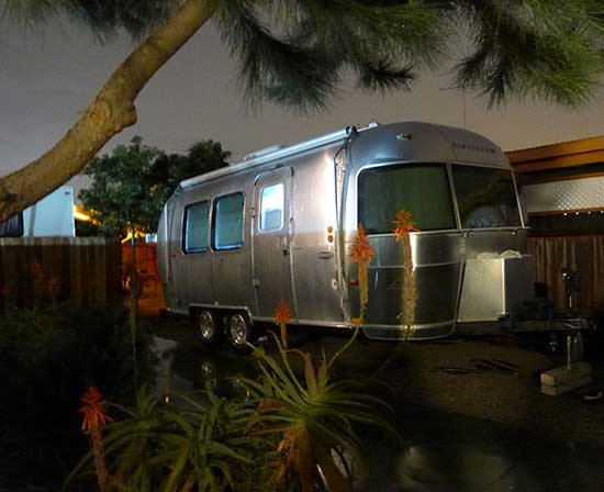 Lee Busch airstream-4 at night