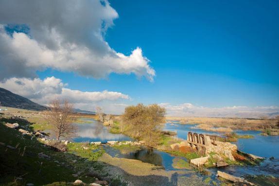 مستنقع عميق الذي يعتبر من اهم الاراضي الرطبة في لبنان