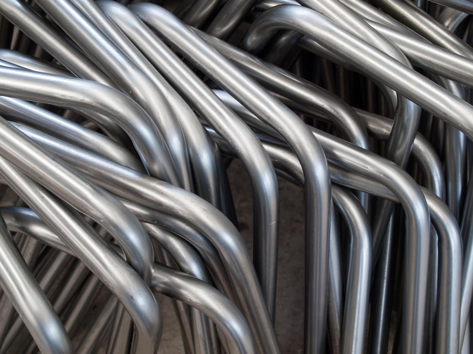 Stapel aus gebogenen Stahlrohren