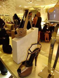 fashionably-broke-4