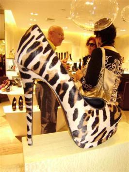 fashionably-broke-5
