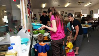 Program teaches local kids healthy eating habits