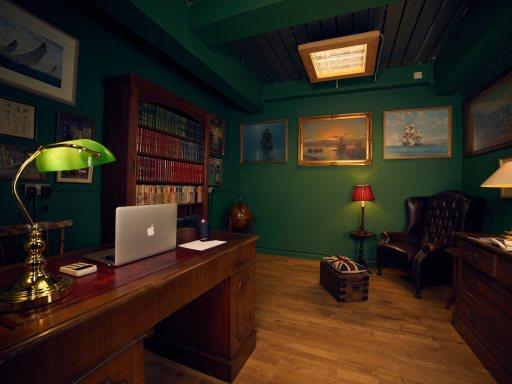 Gentleman's pedicure room opens in London