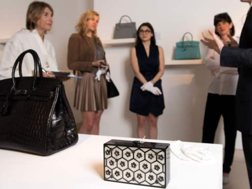 Hermès Birkin bag sells at auction for £162,500