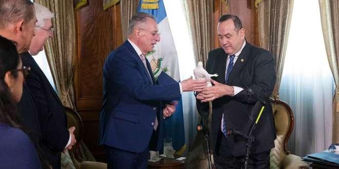 Elder Soares Begins Central America Ministry, Meets Guatemala's President
