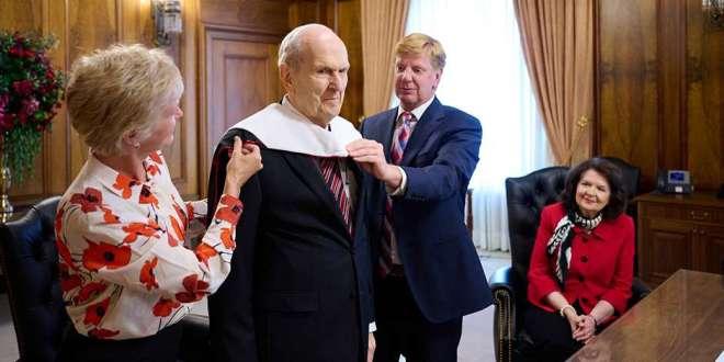 President Nelson Receives Honorary Degree from the University of Utah