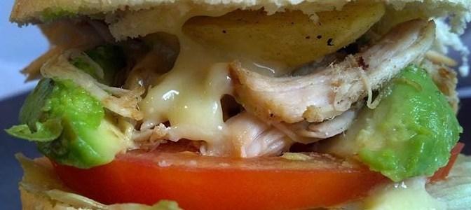 Sandwich de Pollo Deshilachado