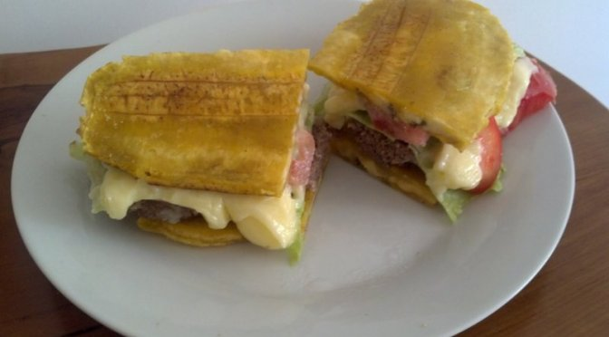 No Sólo de Pan Vive El Hombre: El Plataburger