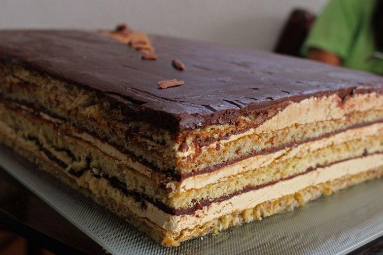 Torta Opera con Buttercream de merengue italiano