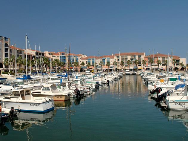 La cri e aura son b timent sur le port d argel s sur mer le journal catalan - Capitainerie port argeles sur mer ...