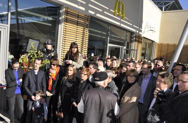 Perpignan Génération Fiorilo... 7 000 clients/ jour ! Le Groupe présidé par Jean-Michel Mérieux, a inauguré son 7ème restaurant Mc Donald's sur le sol roussillonnais