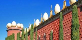Le Musée Dali de Figuères (Espagne, province de Gérone), la demeure du génial artiste-peintre à Cadaquès (toujours dans la province de Gérone) et la résidence de son épouse Gala à Pubol (également située dans la province de Gérone), ont enregistré l'an passé une affluence exceptionnelle générant un nouveau record de fréquentation, soit très exactement 1 580 517 visiteurs (en hausse de près de 10% par rapport à 2012 !).