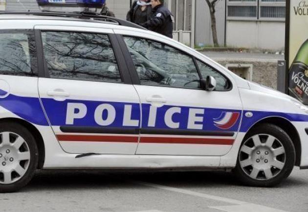 PERPIGNAN... Régulièrement, des véhicules de police sont la cible de caillassages dans la cité Diaz... où parallèlement des opérations « fourrière » sont organisées par la municipalité, en vain il semblerait.