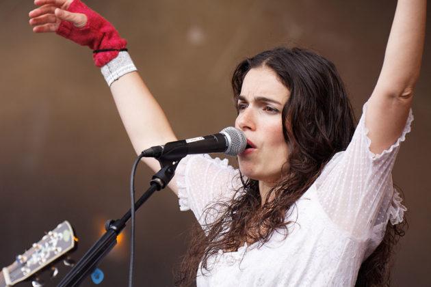 concert de la chanteuse Yael Naim