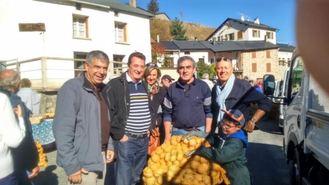 jacques-cresta-et-ses-colistiers-presents-a-matemale-pour-la-fete-de-la-pomme-de-terre