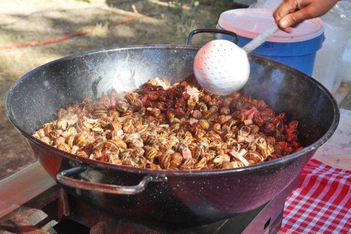 escargots-envahissent-lac-soler-gourmands-fete