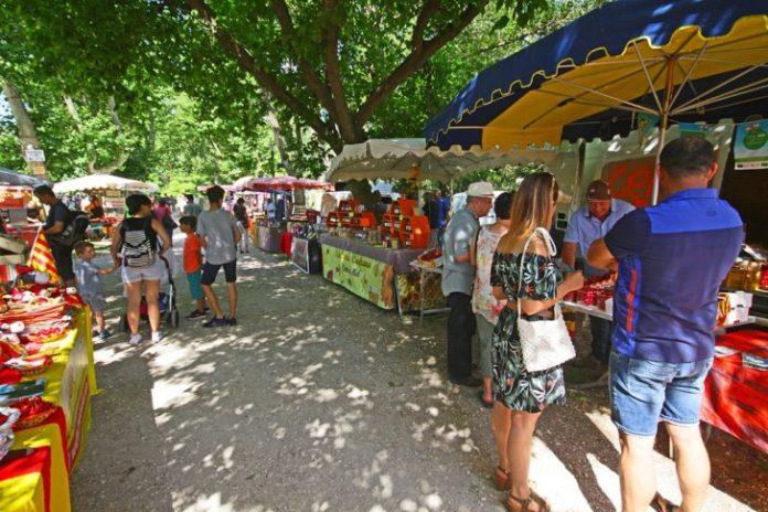 la-5eme-fete-de-la-cerise-fait-la-part-belle-aux-produits-du-pays-catalan