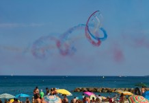 la-patrouille-de-france-a-saint-cyprien-un-show-aerien-made-in-france