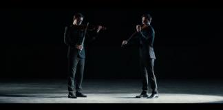 double-jeu-le-violoniste-face-a-son-double-virtuel