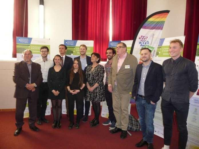 Accord de partenariat entre différentes associations LGBT