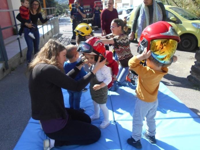 Crèche de Port-Vendres : les pompiers rencontrent les tout-petits
