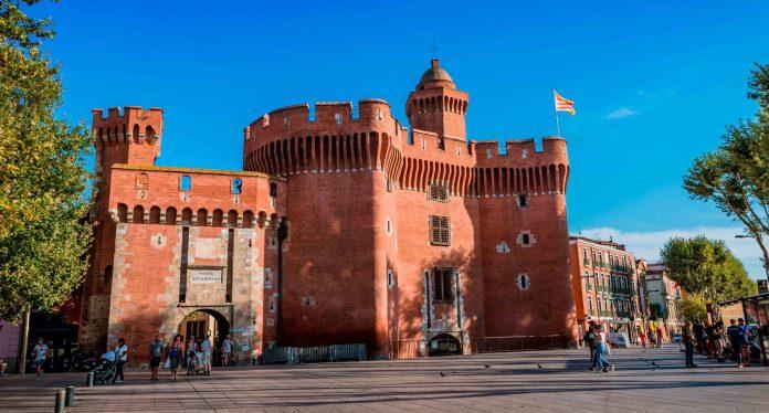 Perpignan : Prise du Castillet par Louis Aliot