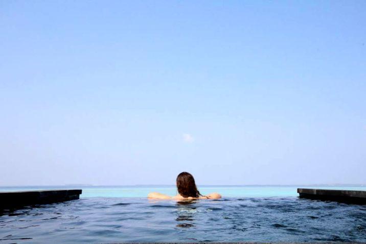Aurore aux Maldives Piscine